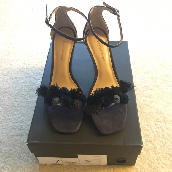 b96099b9078 NIB Banana Republic Pom Pom Bare High Heel Sandal